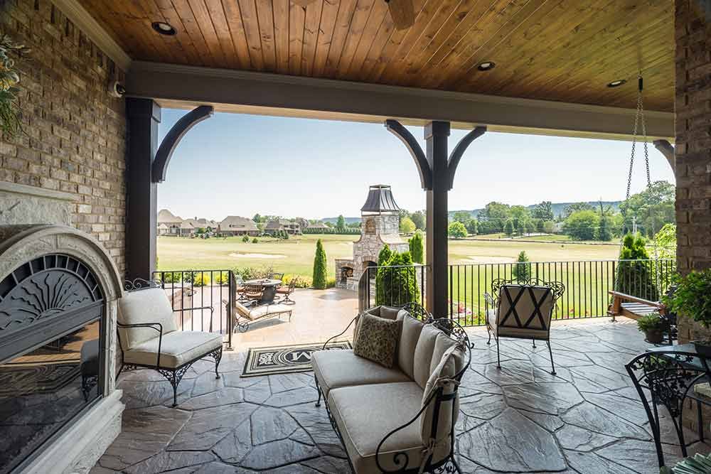 Chattanooga outdoor living spaces remodeling contractors for Cost of outdoor living space